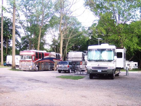 Full hook up camping in michigan